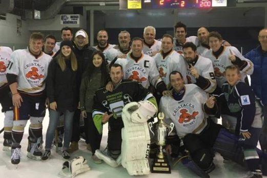17 familles participaient au Tournoi de hockey familial