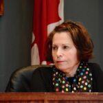 L'ex-directeur des travaux publics dépose une plainte contre Chandler
